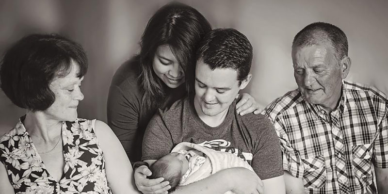 how to be a photographer and a mother newborn pic with grandparents